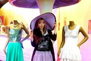 Trung tâm mua sắm này cũng là nơi quy tụ nhiều thương hiệu thời trang đẳng cấp nhất thế giới như Chloe hay Dior.